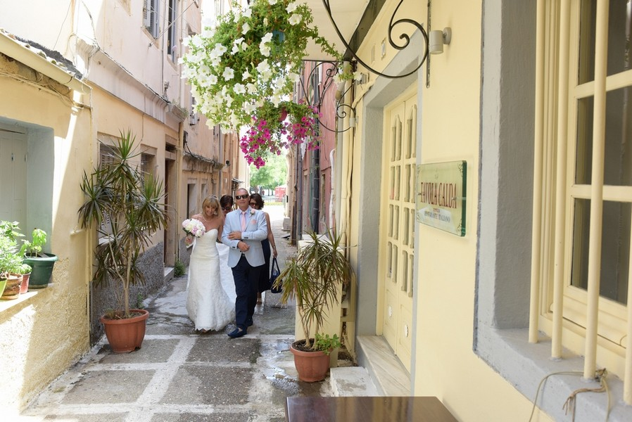 A walk through Corfu Old Town - Julia & Brendan